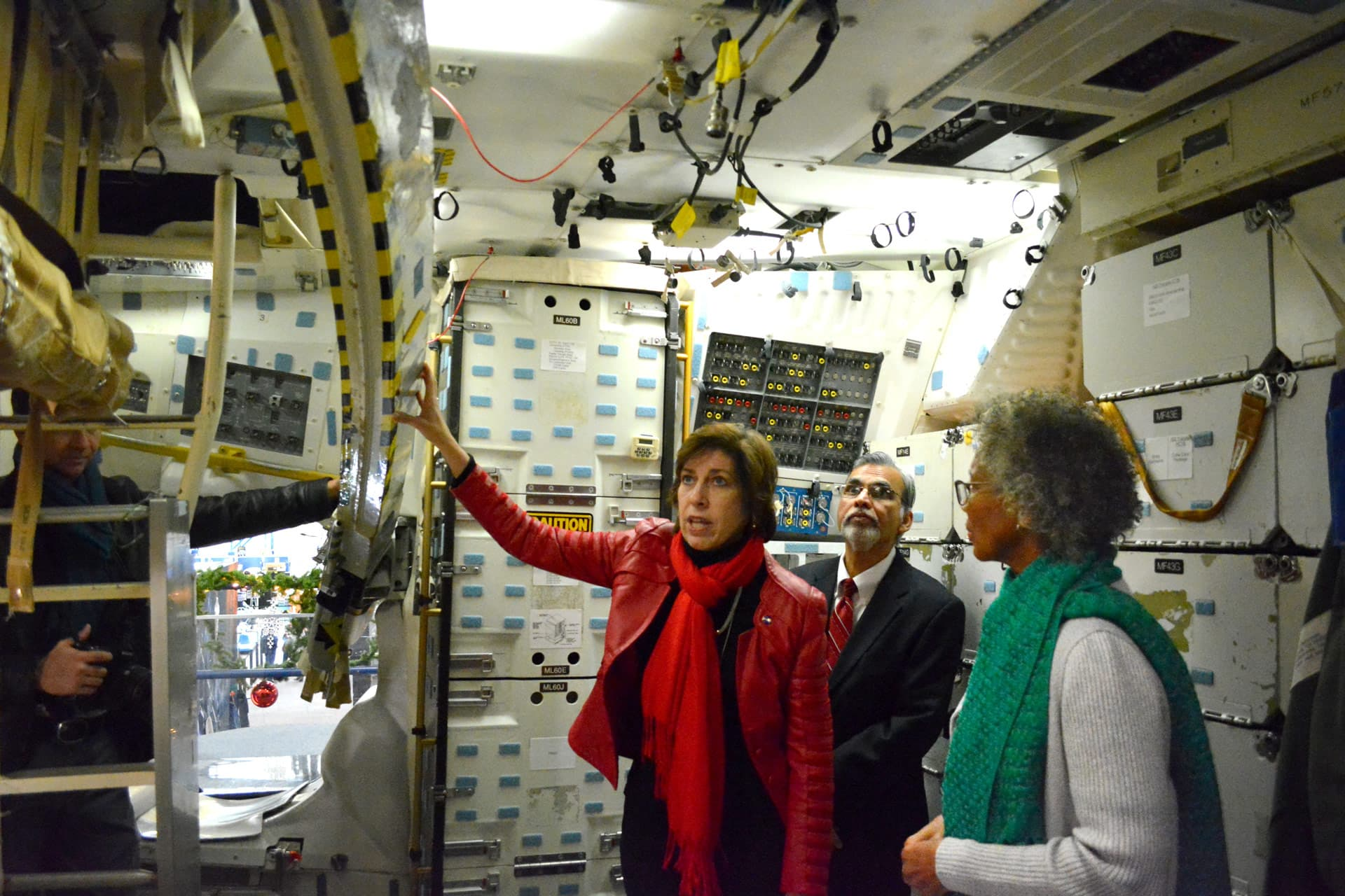 UHCL President visits NASA to discuss future opportunities for collaboration