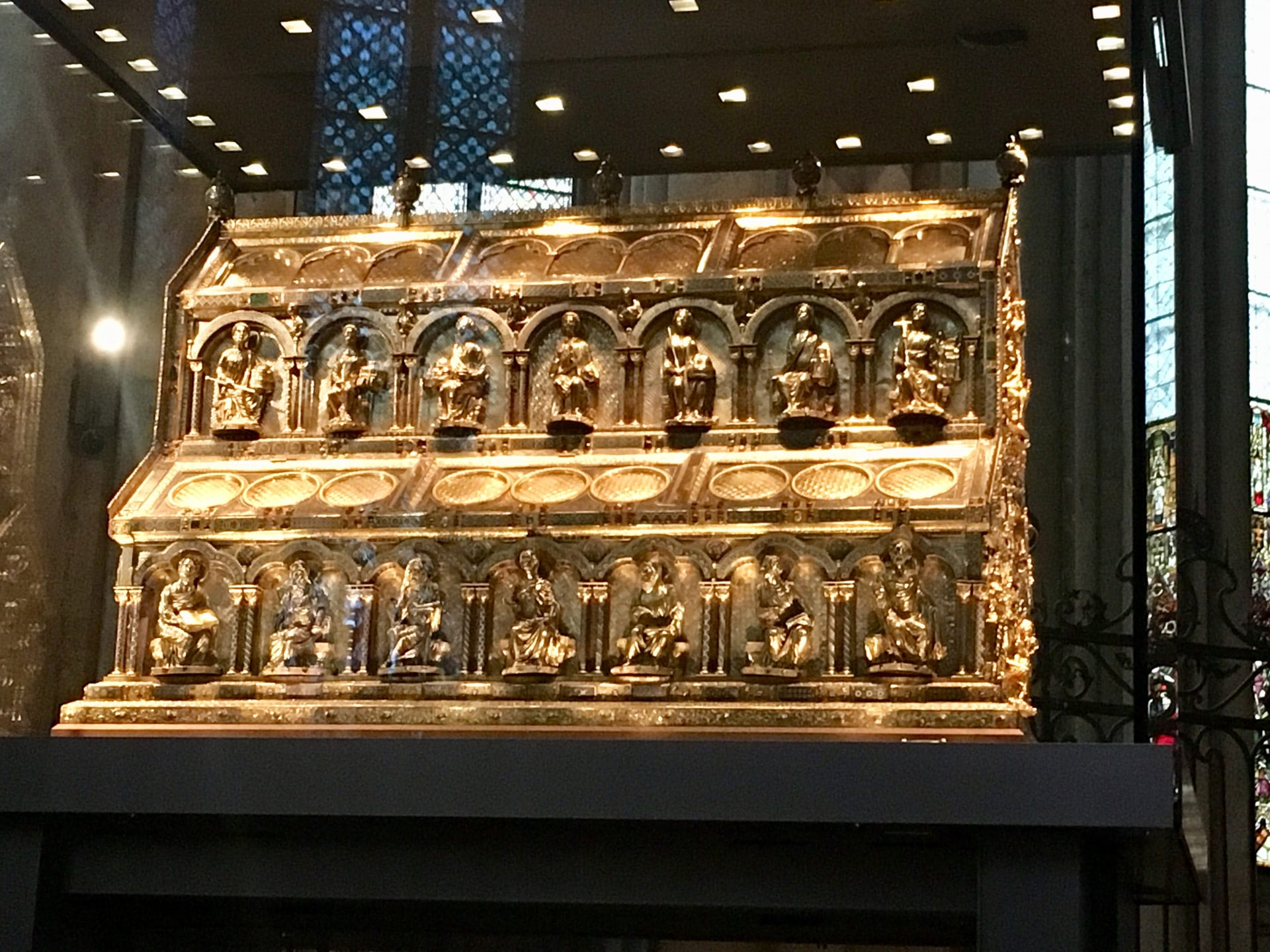 Blog: Remarkable reliquary in cathedral in Cologne