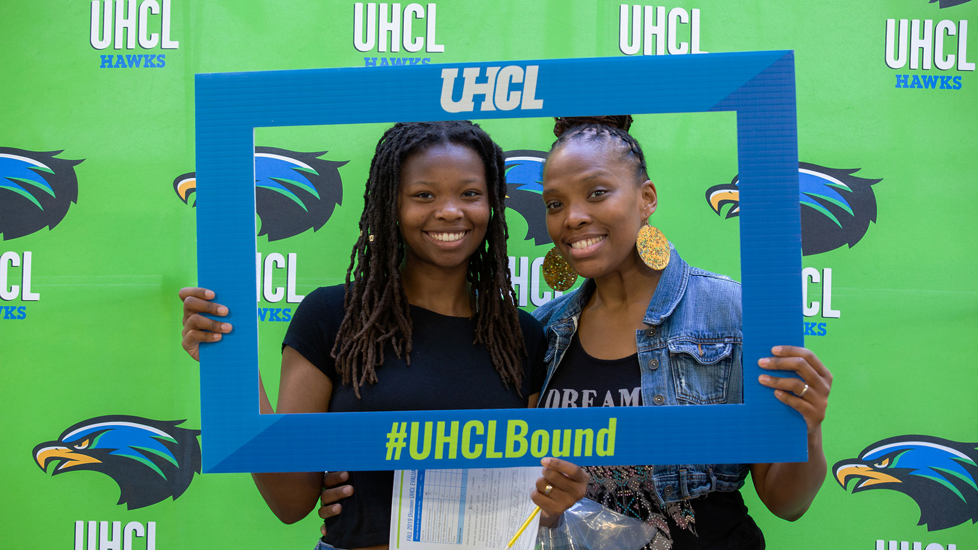 High school, transfer students can apply free at Discover UHCL