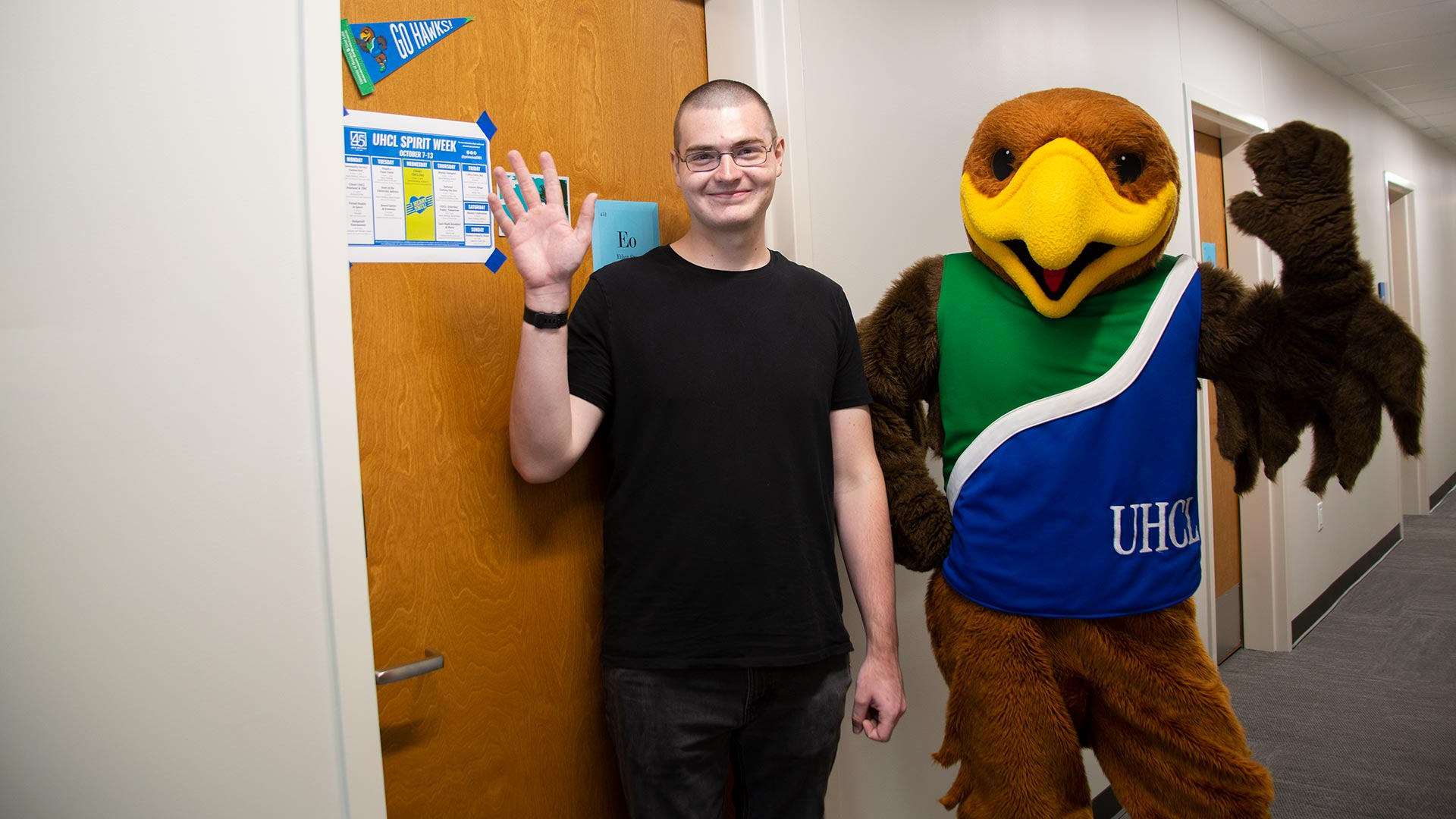 Campus community welcomes first residents to new home in Hunter Hall