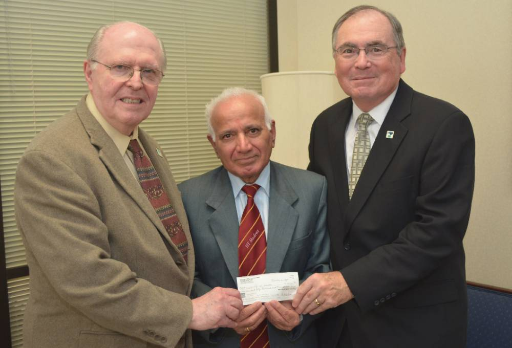 Retired software engineer's gifts fund UHCL and UH endowments