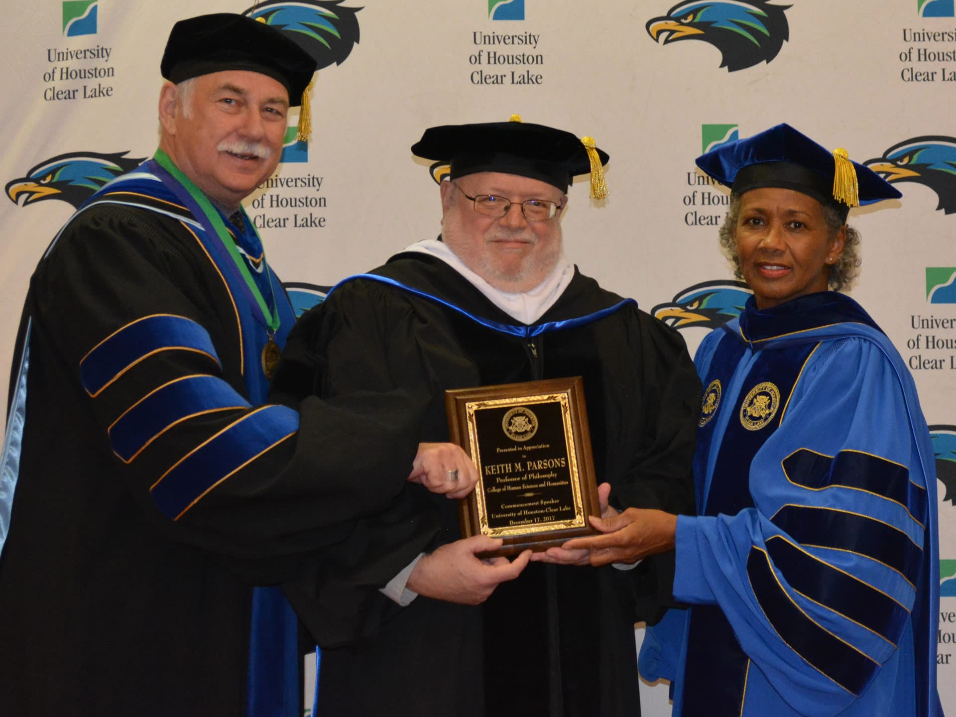 UHCL's Parsons cautions grads: 'Ignorance is never blissful'