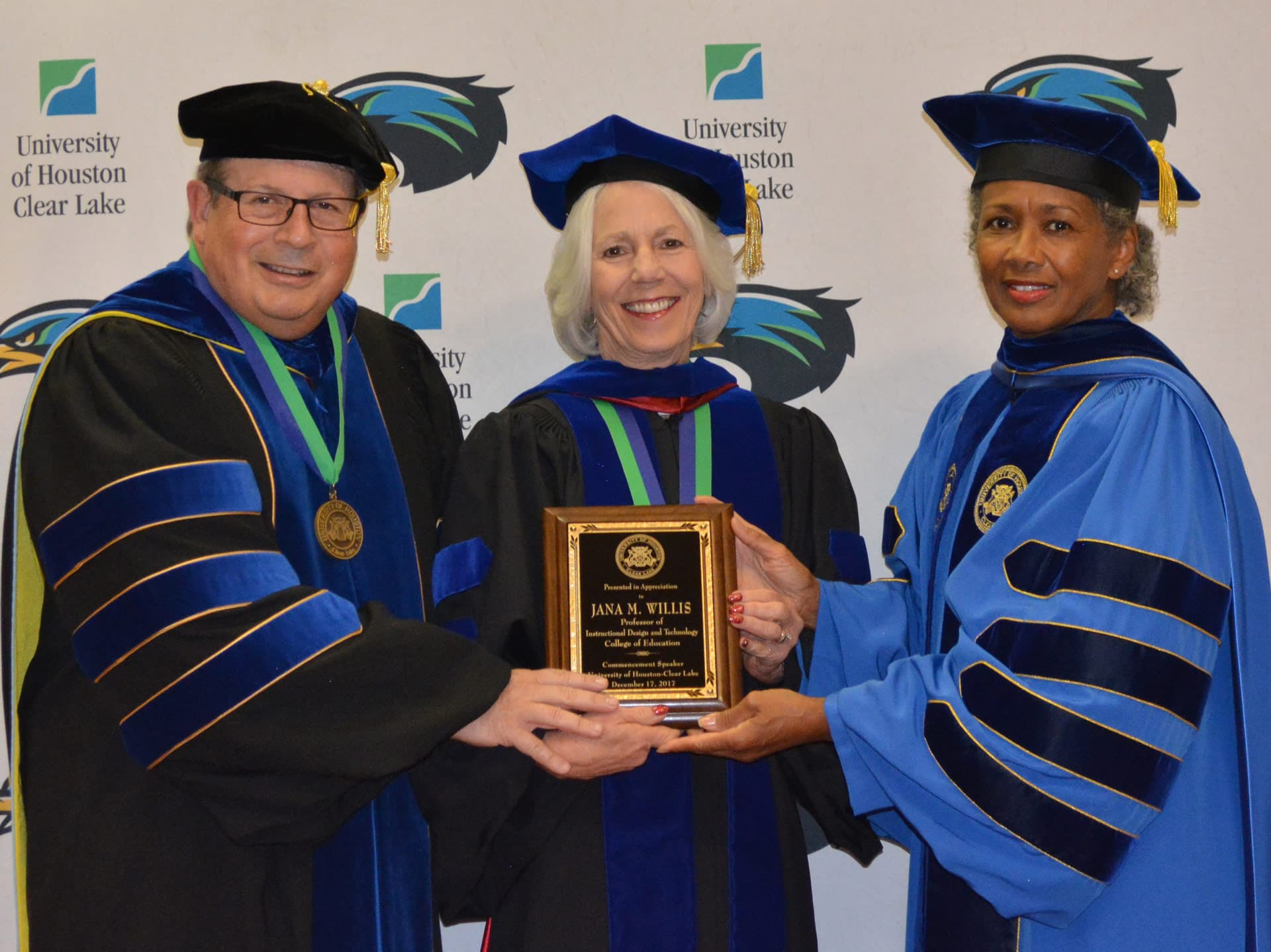 UHCL's Willis tells grads: 'Dream big and enjoy the detours'