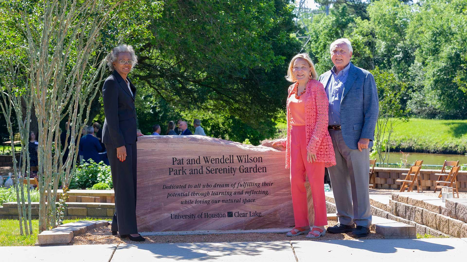 Philanthropists' gift beautifies UHCL's Potter Pond, Wilson Park
